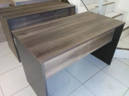 Mesa para escritório em MDF 18 mm Cor Merlo com Preto