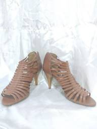 Sandália salto alto gladiadora