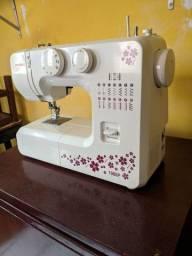 Título do anúncio: Máquina de costura Janome