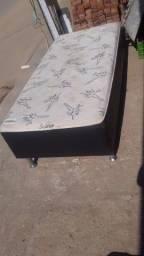 Vendo cama box de solteiro com colchão