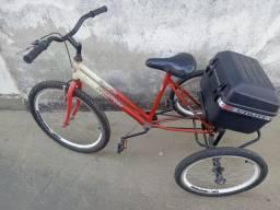 Triciclo muito novo e barato