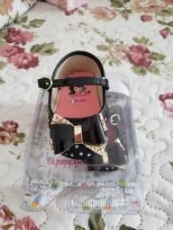 Título do anúncio: Sapatinhos e roupinha de bebê menina