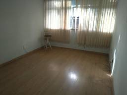 Título do anúncio: Excelente apartamento com três quartos no bairro do Catumbi. Oportunidade!