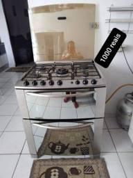 Título do anúncio: Vendo fogão,geladeira,mesa e armario.