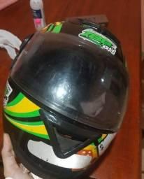 Vendo capacete Sport.