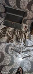 Título do anúncio: caixa  com  diversas chaves