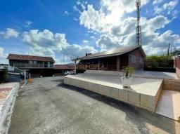 Casa para venda possui 980 metros quadrados com 4 quartos em Vila Rachel - Almirante Taman