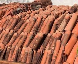 Título do anúncio: Telhas canal de cerâmica usadas 6 mil telhas