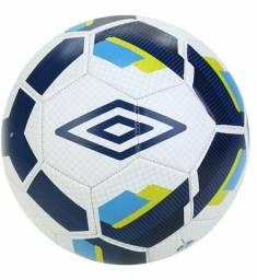 Título do anúncio: Bola Futebol Campo Umbro Hit Supporter