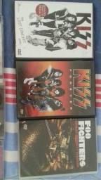 Vendo CDs e DVDS
