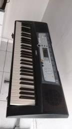 Vendo teclado Yamaha com pédestal