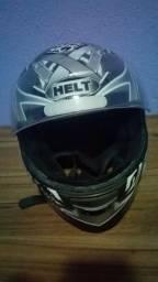 Vendo capacete todo bom