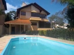 Linda casa a venda com 06 dormitórios sendo 03 suítes - Canto da Lagoa - Florianópolis/SC