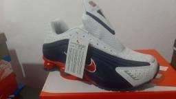 Tenis Nike shox R4 tricolor