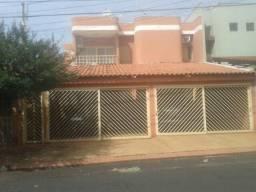 Aluga-se Lindo Apartamento no Jardim Irajá