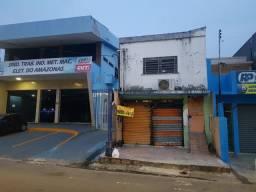 Praça 14, Rua Duque de Caxias, ao lado do Sindicato dos Metalúrgicos
