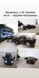 MINIATURA Corvette escala 1/ 32 feito em metal com som e luzes