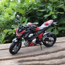 Miniatura Kawasaki z800