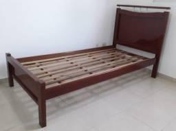 Excelente cama de solteiro