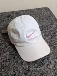 Boné Nike e Chronic