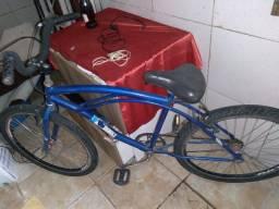Bicicleta usada bem conservada