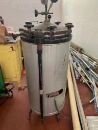 Autoclave vertical analógica a gás
