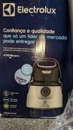 Título do anúncio: Vende-se aspirador de pó e Água Electrolux