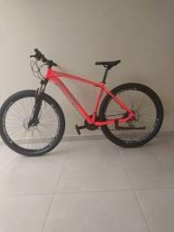 Bike aro 29, apenas um mês de uso. R$2.300
