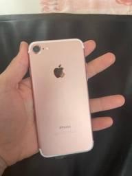 Título do anúncio: iPhone 7 32gb rose (passo cartão)