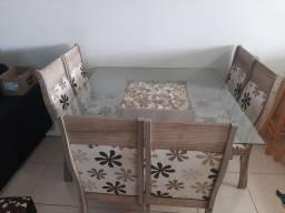 Mesa tampo em vidro decorado e 6 cadeiras