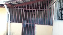 Aluga-se barracão no Setor Marechal Rondon de 2 quartos em Goiânia Sup Top.