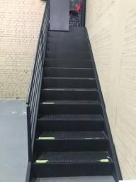 Título do anúncio: Vendo Escada com medidas de aprovação dos bombeiros.