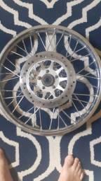 Título do anúncio: Roda e um disco de freio