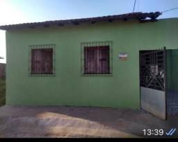 Vendo casa próximo a praça do Estrela, bairro caiçara, castanhal PA.