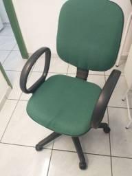 Título do anúncio: Cadeira escrito