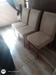 Jogo de mesa de vidro 4 cadeiras de madeira 800,00