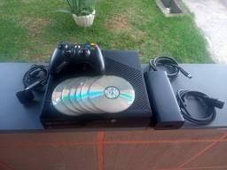 Xbox 360 slim 4 Gigas travado