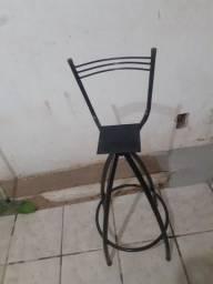 Título do anúncio: Vende se cadeira de ferro com encosto nas costa