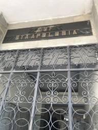 Apto na Boa Vista/40m2/2 quartos/sala/cozinha/wc socia/ com taxas