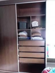 Jogo de quarto rudnick 1ª linha -1 armário grande + 2 mesinhas cabeceira + cama queen