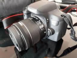 Canon EOS T6i com 18-55mm