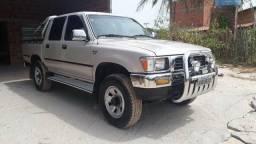 Toyota Hilux 2.8 ano 2001 - 2001