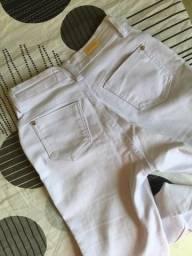 Duas calças jeans por R$ 40,00
