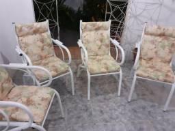 Jogo de Cadeiras em perfeito estado sem ferrugem