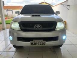 Toyota Hilux CD SRV D4-D 4x4 3.0 TDI Diesel Automática - 2011
