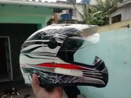 Vendo capacete Helt R$150,00