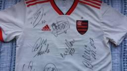 Vendo camisa autografada do Flamengo