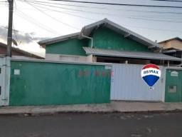 Casa com 3 dormitórios para alugar, 120 m² por R$ 1.000,00/mês - Vila Pinheiro Machado - B