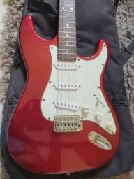 Guitarra Shelter modelo stratocaster vermelha
