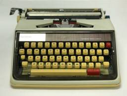Máquina de escrever Vintage 1350 Elgin